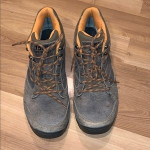 New Balance hiking boots earth color size 12
